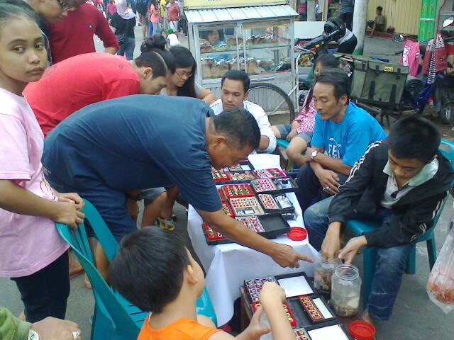 Berbagai kegiatan budaya di Jln. Basuki Rahmat - Jln. Dhoho, Kediri (4/6)
