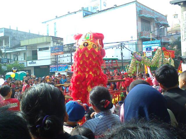 Berbagai kegiatan budaya di Jln. Basuki Rahmat - Jln. Dhoho, Kediri (3/6)
