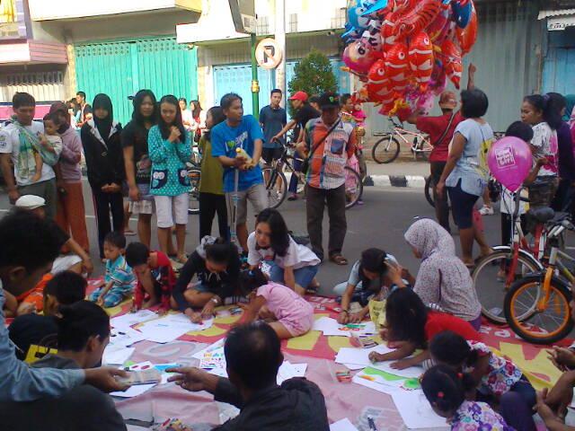 Berbagai kegiatan budaya di Jln. Basuki Rahmat - Jln. Dhoho, Kediri (1/6)